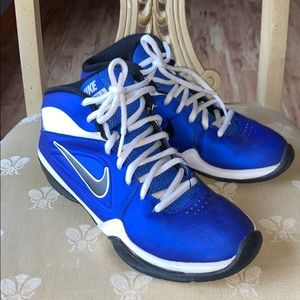 GUC Kids Nike Basketball athletic shoes - size 5.5